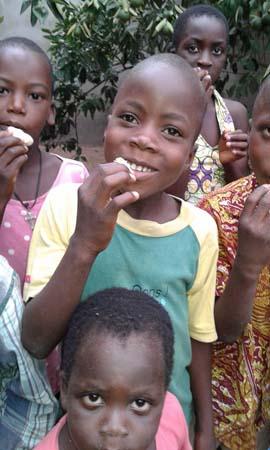 Nawiazanie kontaktu z dziećmi z TOGO w Afryce