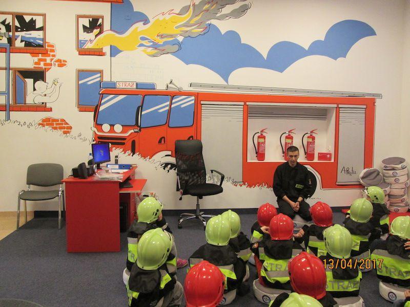 4-latki z wizytą u Strażaków